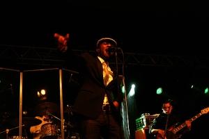 """Aloe Blacc war der Star des Abends und heizte mit seinem Hit """"I Need A Dollar"""" seinen Fans ein."""