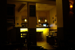 Die Bar ist nach einer 4.500 Kilometer langen Bundestraße entlang der brasilianischen Küste benannt.