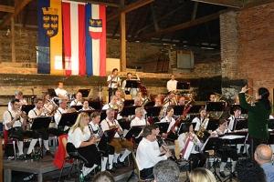 Stadtkapelle Enns beim Konzert am Bauernhof 2012