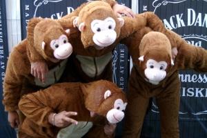 Vier Bären rockten die Jack Daniels Bühne.