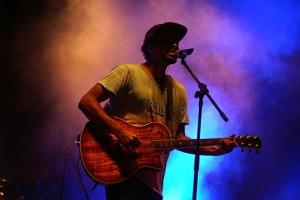 Reggae-Sänger und Songwriter Patrice ging den Abend gemütlich an.