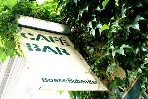 Die Böse Buben Bar: Hier treffen sich Unternehmer, Künstler, Juristen, Journalisten und Studenten.