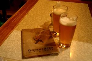Unfiltriertes Bier im W. Prassnik.