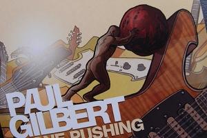 Gilbert rollt seinen Stein (die Musik) gerne immer wieder bis an die Spitze.