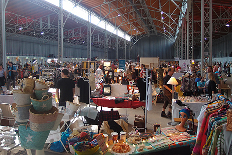 Flohmarkt, Ausstellung, Konzert und Gastro - der Monscheinbazar in der Marxhalle