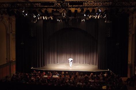Gunkls Bühnenshow: Stehen. Reden. Verbeugen.